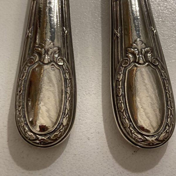 couverts à salade manche argent cuillerons couleur ivoire