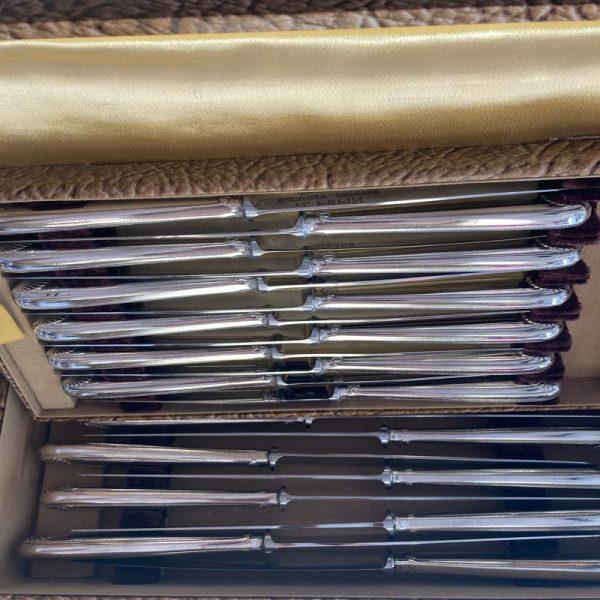 Ménagère 61 pièces Christofle modèle VENDOME - COQUILLE